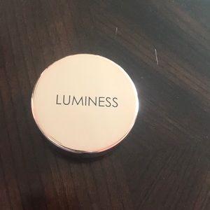 Luminess